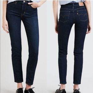 Levi's Women's 712 Slim Jeans Dark Wash Size 28